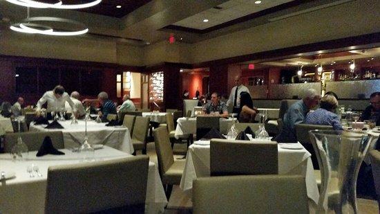 Fleming's Prime Steakhouse & Wine Bar: Restaurant Interior