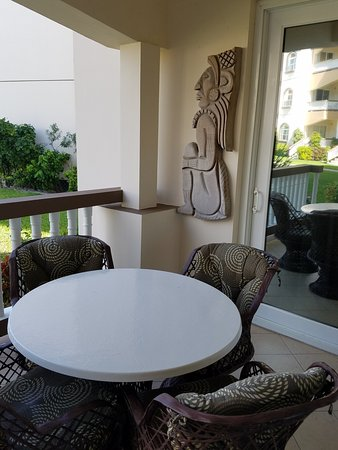Grand Caribe Belize Resort and Condominiums: Porch
