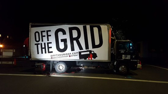Oakland, CA: off the grid parked outside museum :)