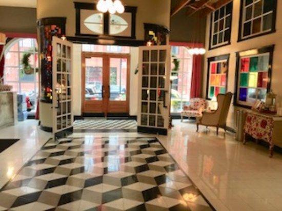 The Box House Hotel: Lobby
