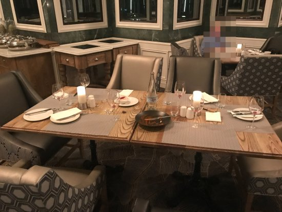 Southern Sun Cape Sun: Dining facilities at the Cape Sun hotel