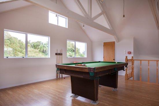 Patuha Lodge: Pool table