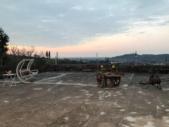 Montorio Verona, Italien: La bellissima e grande terrazza
