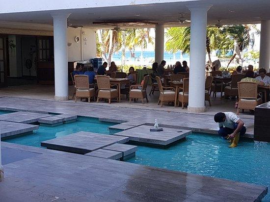 Hotel Tamaca Beach Resort: 20180124_095624_large.jpg