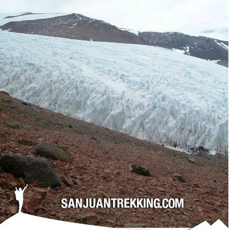 San Juan Trekking: GLACIAR PIRCAS NEGRAS - OLIVARES CENTRAL 6300 MSNM