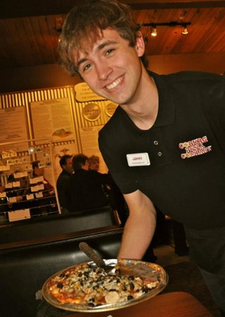 Coburg, Oregon: Serving up the pizza with a smile! 