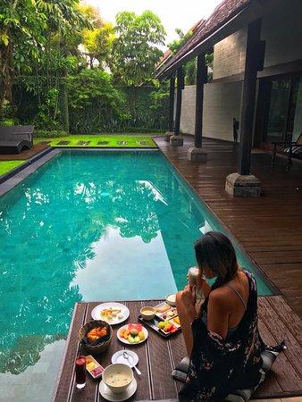 Breakfast At The Aquamarine Villa Picture Of Ametis Villa Bali Canggu Tripadvisor