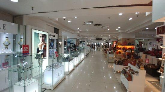 Sarinah Thamrin Plaza: inside