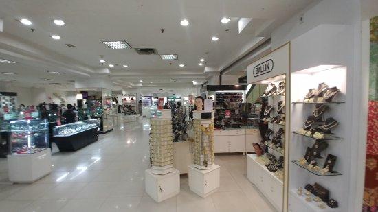Sarinah Thamrin Plaza: inside2