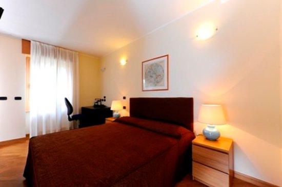 Corvetto Residence Porto Di Mare: Guest room