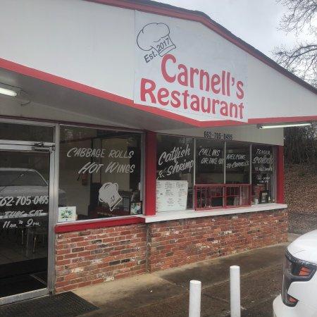 Louisville, Mississippi: Carnell's Restaurant