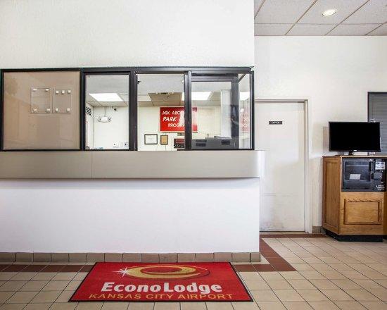 Econo Lodge Airport Kansas City: Lobby