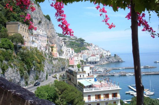 Full-Day Pompeii and Amalfi Coast...
