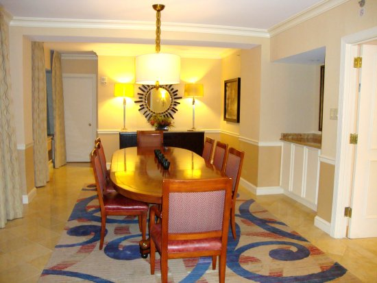 Capital Hilton: Dining room
