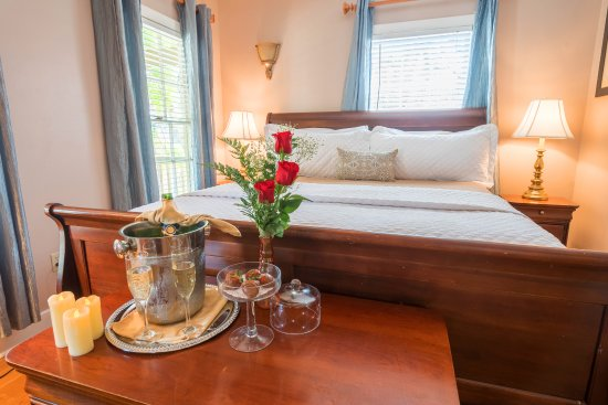 Agustin Inn: Room 1 with Romance Package