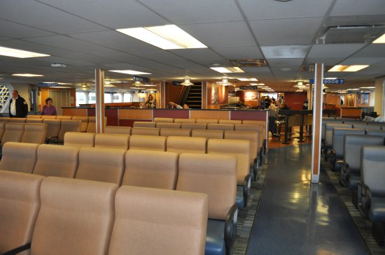 Nanaimo, Canadá: Seating area on ferry