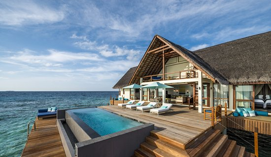 Landaagiraavaru Island: Two-bedroom Water Suite