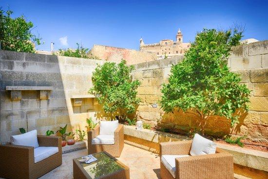 Casa gemelli boutique guesthouse vit ria 78 fotos compara o de pre os e avalia es - Apartamentos baratos en malta ...