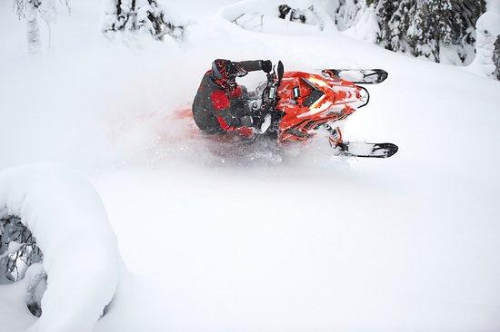 Arjeplog, Sverige: Deep snow riding