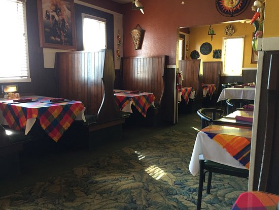 Escalon, CA: We were first ones in; just opened for lunch