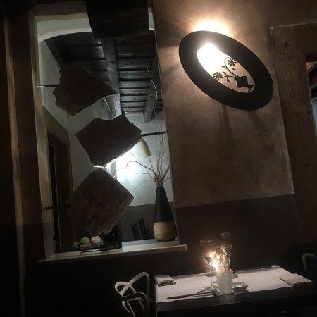 IZUMI sushi restaurant : Bellissimo posto e ottimo cibo e rapporto qualità e prezzo. Prodotto freschissimi e originali pi