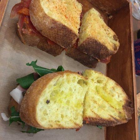 Heritage i croatian food i snack bar zagreb for Food bar zagreb