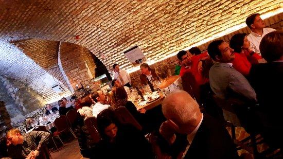 Vonyarcvashegy, Hungria: Borvacsora a Festetics Pincében / Wine dinner at the Festetics Wine Cellar