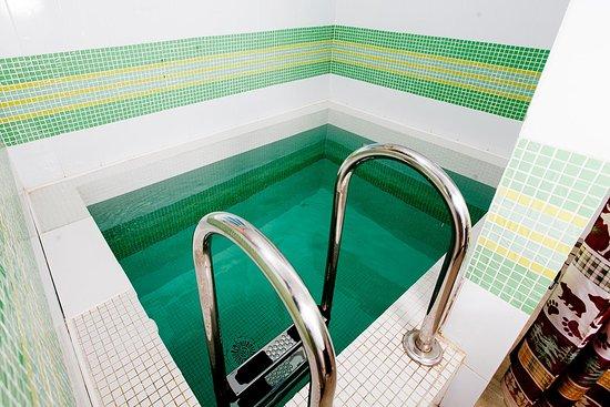 Nikolayevskiye Baths