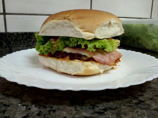 Cambe, PR: Pizza/lanches