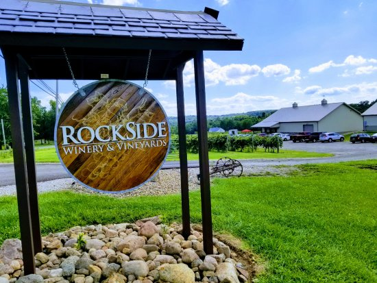 ‪Rockside Winery and Vineyards‬