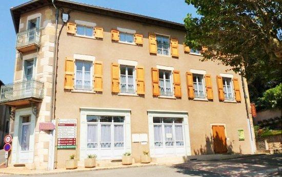 Jullie, Francja: 5 gîtes communaux Gîtes de la Fontaine à Jullié