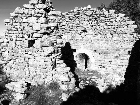 Chateau d'Aumelas: Ruines du château d'Aumelas