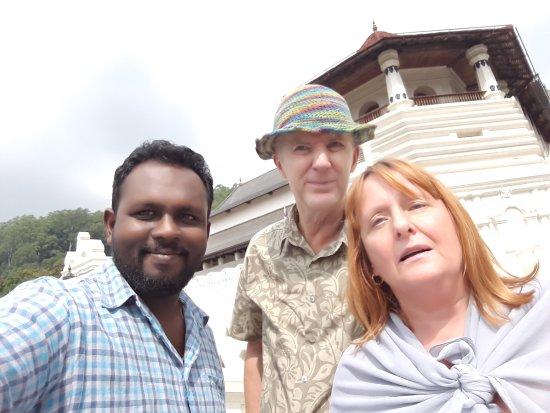 Negombo, Sri Lanka: Anro tours - kandy