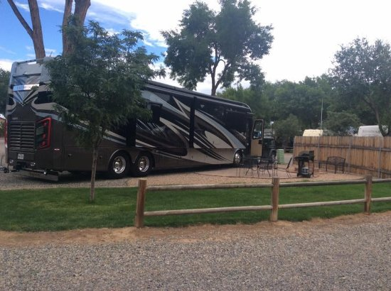Grand Junction KOA Holiday : Deluxe Patio Site D13