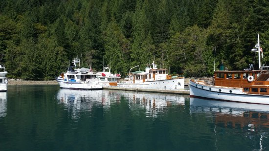 Sunshine Coast, Canada: Interesting boats of various ages