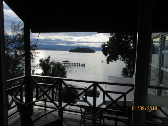 Manukan Island Resort: Nice view of the South China Sea from the villa's balcony