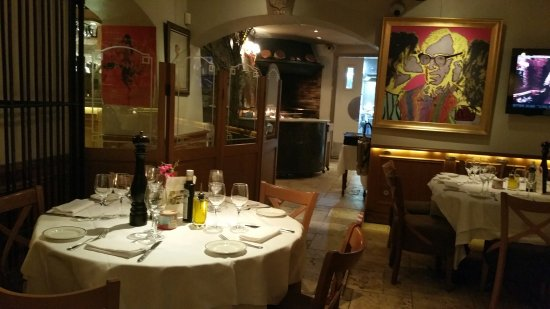 Auberge Provencale Da Bouttau: A Nioce Interior Dominated By A Woody Allen  Painting