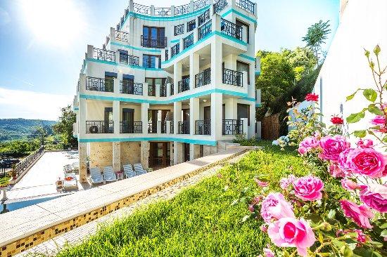 Aparthotel prostor kavarna 48 fotos compara o de for Appart hotel 37