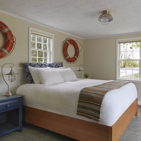 Vergennes, VT: Two Bedroom Cottage.