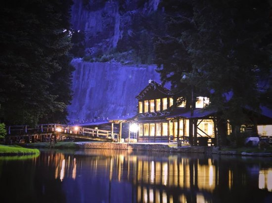 South Fork, CO: Rear of the Fun Valley restaurant at night