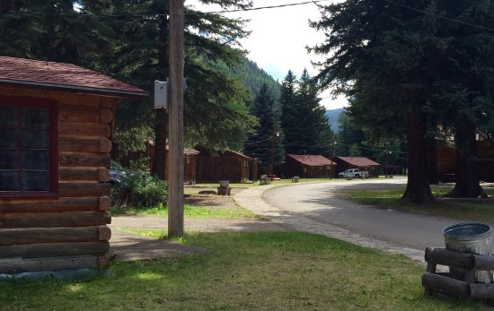South Fork, CO: Cabin Row at Fun Valley Family Resort