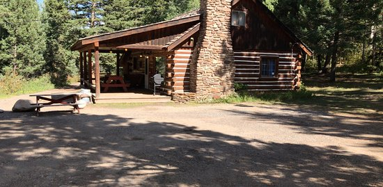 ‪‪South Fork‬, ‪Colorado‬: Cabin #40. The only 5 bedroom cabin at Fun Valley, Others are 1, 2 and 3 bedroom models.‬