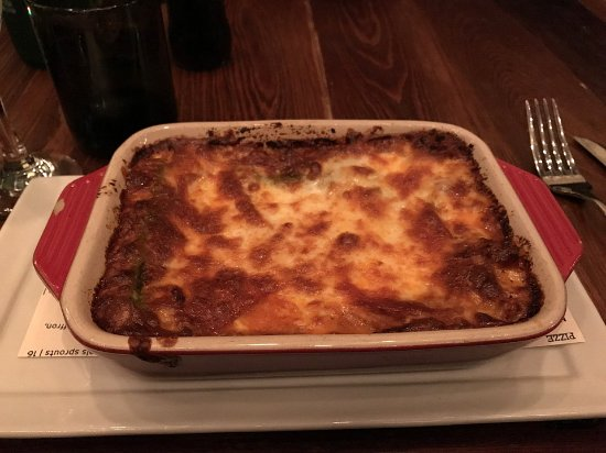 Domenica: Lasagna portion was huge and delicious! (I love edges!)