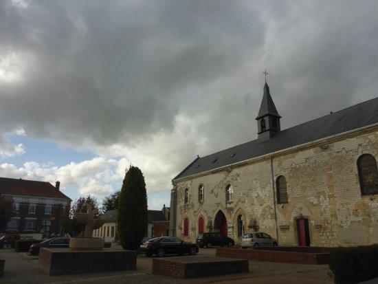 Corbie, ฝรั่งเศส: Square out Front