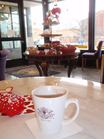 Glen Ellyn, Ιλινόις: Hot Stam chocolate on a cold day!