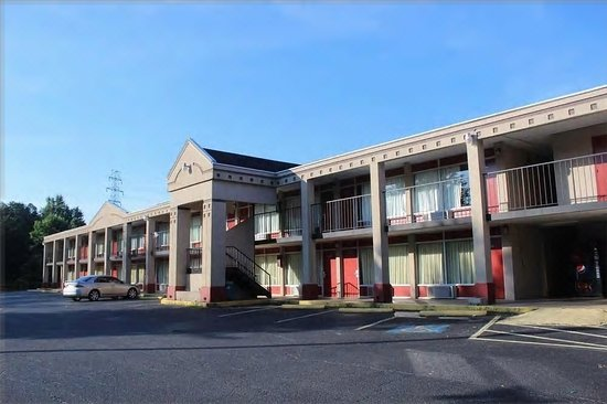 Spindale, NC: Front of hotel
