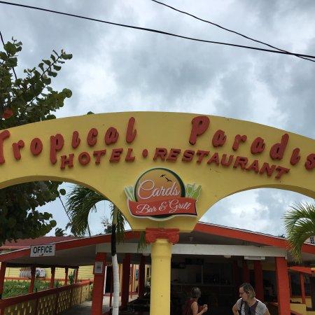 Tropical Paradise Restaurant: photo0.jpg