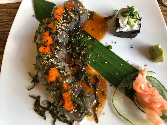 Derek's Sushi Bar: So good!!
