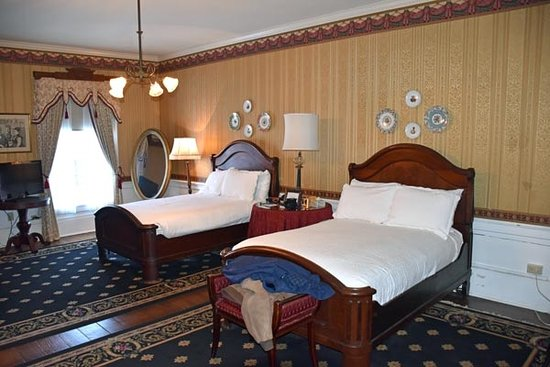 The Excelsior House: Room 212 - the Grant Room
