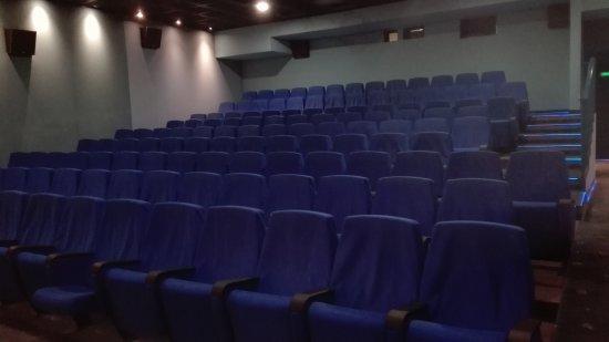 Cinema Metropolis : Sala proiezione. Piccola ma comoda